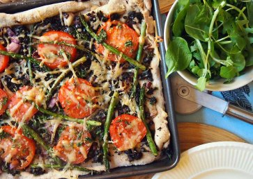 olive and asparagus pizza + rocket + spinach salad